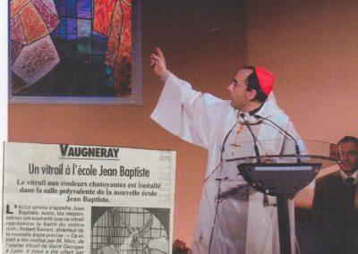 2000 - Un vitrail à l'école Jean Baptiste Vaugneray - Le Progres
