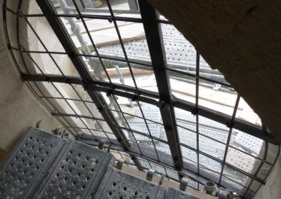 Velars-Sur-Ouche - Notre-Dame de l'étang - Création géométrique - Pose des vitraux et des feuillards