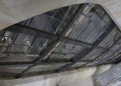 Velars-Sur-Ouche - Notre-Dame de l'étang - Création géométrique - vue extérieur détail