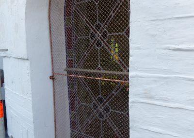 Saint-Pierre- Martinique - Cathédrale du Mouillage - Vitraux posé avec grillage cuivre et bavette d'évacuation des eaux de condensation